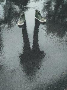 chaussure tache goudron