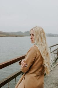 cheveux et vetement femme