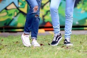 jeans aux chevilles