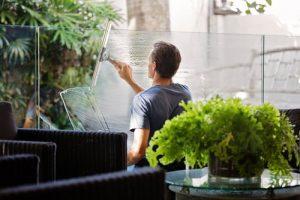 laver une vitre